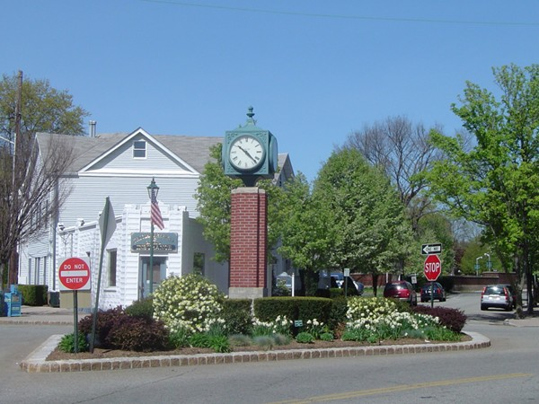 The clock at the west end of downtown Allendale