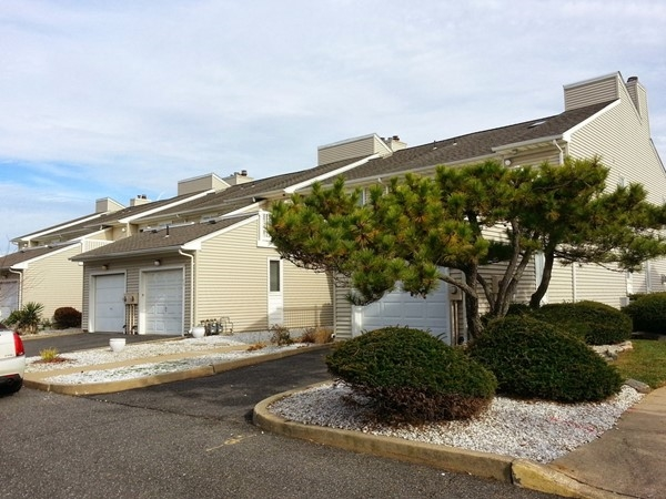 Horizon House is on the Long Branch boardwalk with direct access to the beach.