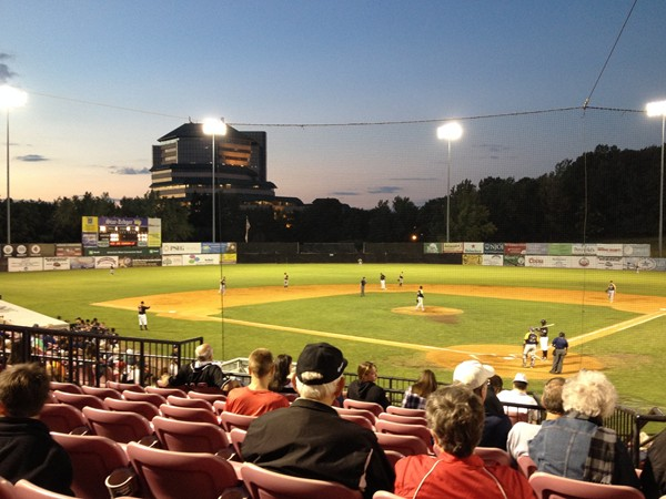 Beautiful night for a NJ Jackals game, minor league baseball at Yogi Berra Stadium, MSU campus