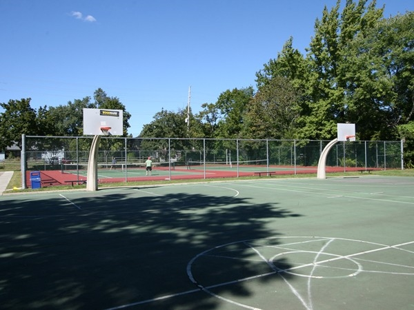 Little Silver Basketball & Tennis Courts
