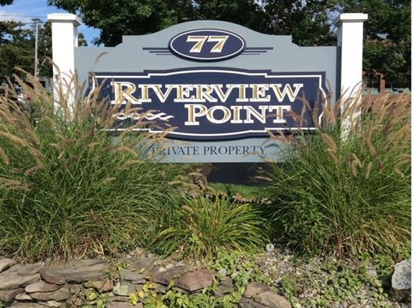 Riverview Point entrance