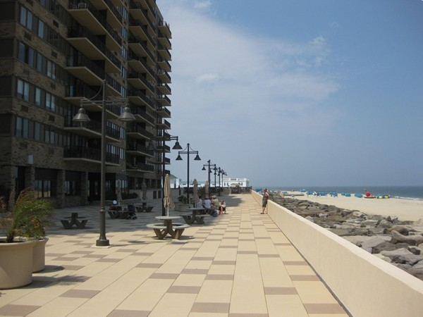 Enjoy the promenade at the back of The Admiralty with private beach access