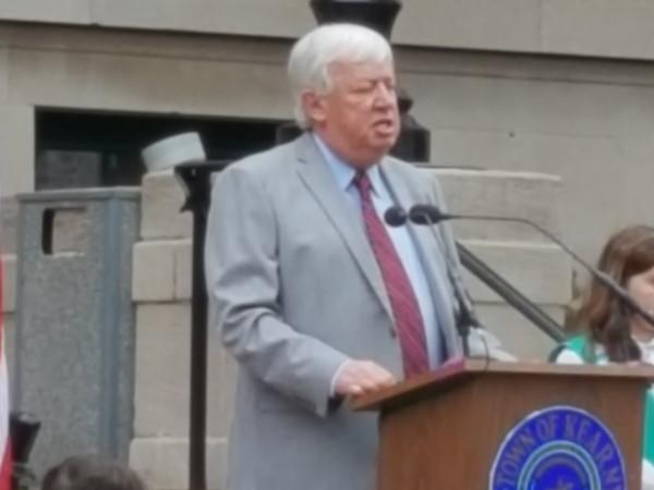County Executive, Tom DeGise Celebrates with Kearny