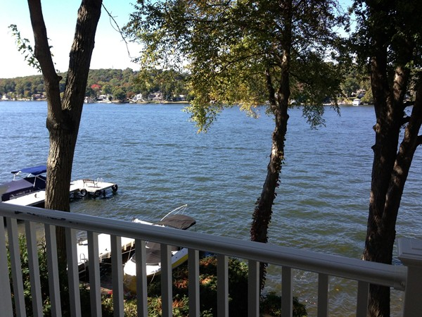 Come out this fall and explore the scenic views on New Jersey's largest lake, Lake Hopatcong