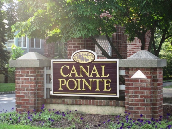 Canal Pointe is close to the Princeton Junction Train Station and excellent schools