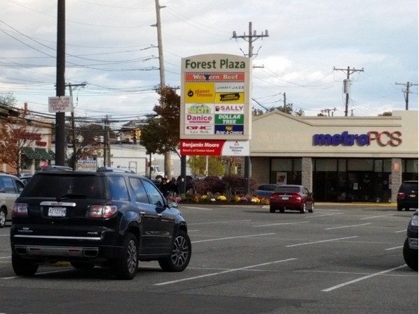 Shopping Center on Forest Avenue