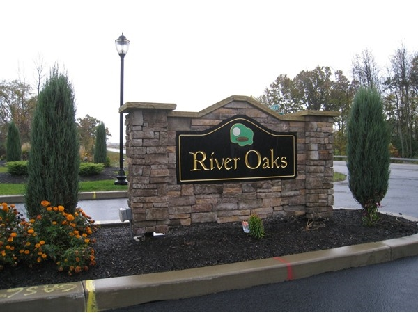 Upscale patio homes on the River Oaks Golf Course. Popular streets are Greenside Dr and Eagleview Dr