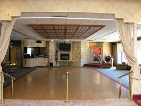 Clubhouse - Party room