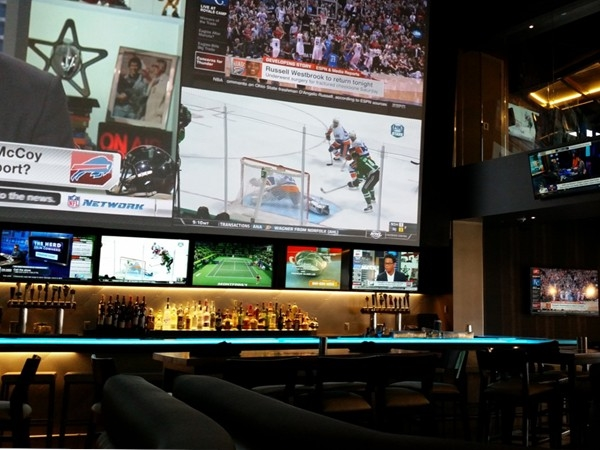 716 Food and Sport. Located in Harborcenter, steps away from First Niagara Center