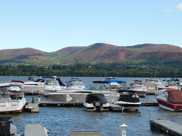 Dock your boats in the river front of Newburgh