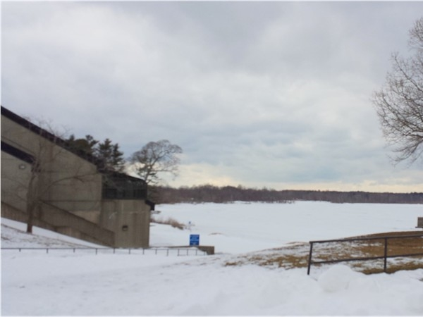 A snowy Lake Ronkonkoma center and ramp to the lake