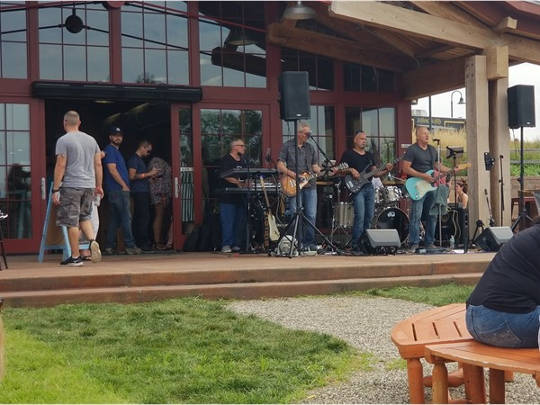 A local band, OC5, entertaining the guests at Angry Orchard