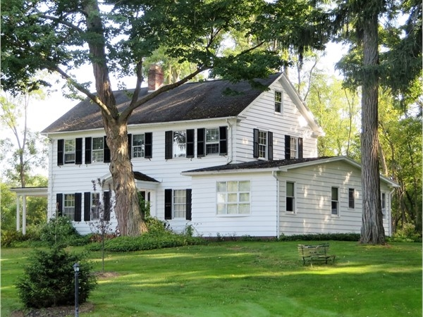 Colonial home in Bushnell's Basin in Perinton