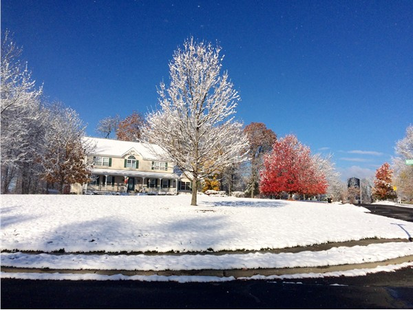 First snowfall of the year in Carriage Hill Estates