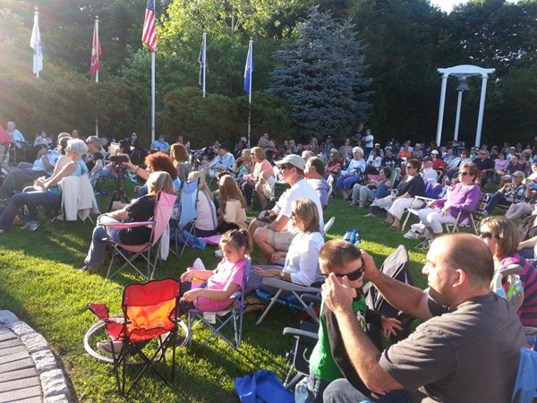 The turn out was great for our first 2014 summer concert on the Green at Town Hall!
