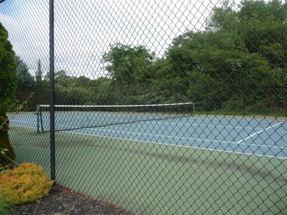 The tennis court at Silver Woods