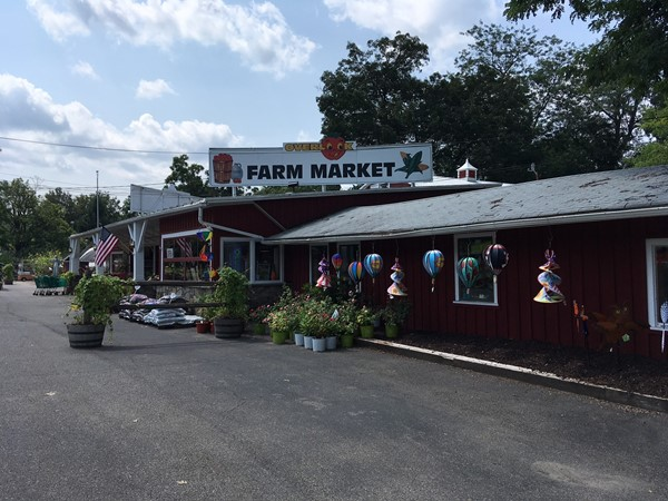 Overlook Farm Market on Route 9W, Newburgh; a roadside fixture for decades
