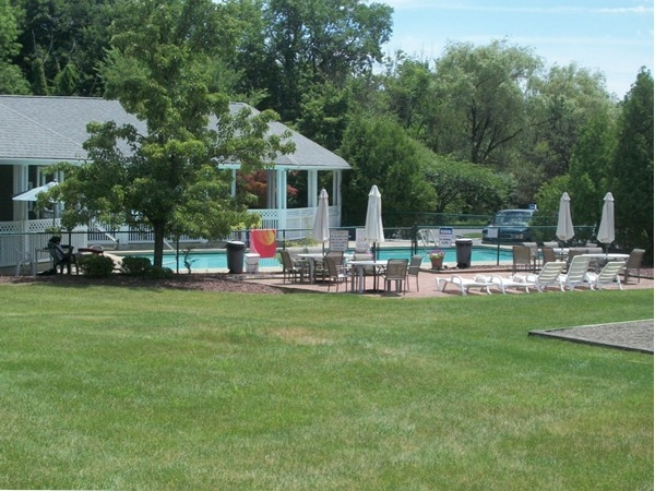 Community pool and clubhouse at Cromwell Hill Condos!