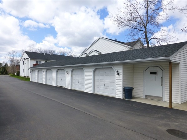 Detached garages in Beacon Park can be just steps from your front door
