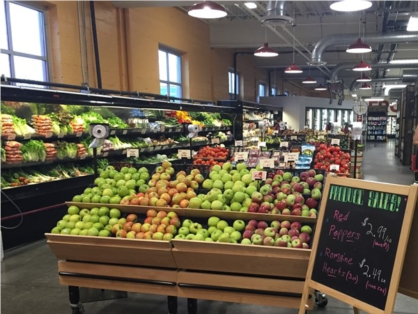 Harts Local Grocers has a great selection of produce