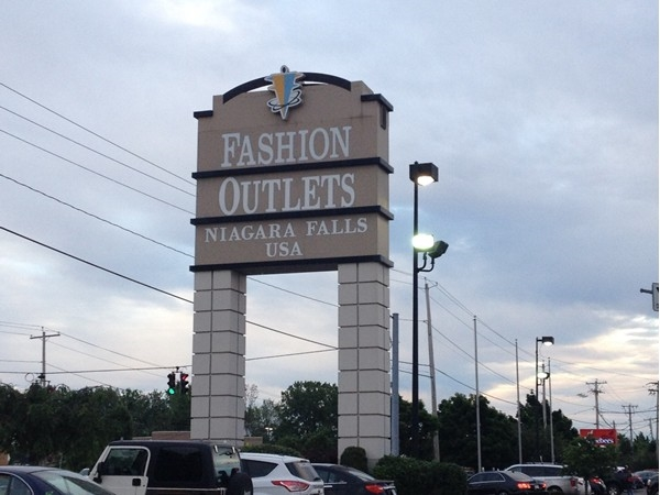 Fashion Outlets - The Outlet Mall where everyone shops for great deals at major outlets!