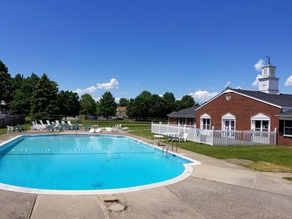 The pool at Weathervane Condominiums