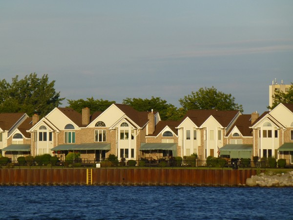 Waterfront Condos in the City of Tonawanda,  Overlooking Grand Island and Tonawanda Island