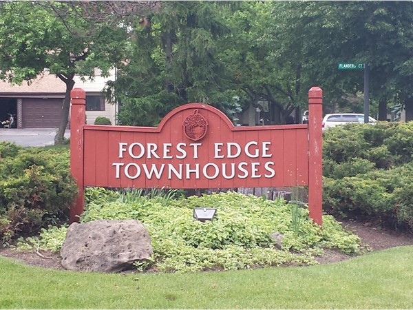 Two bedroom townhomes in Forest Edge.  Enjoy Ransom Oaks ammenities including pool,tennis,clubhouse