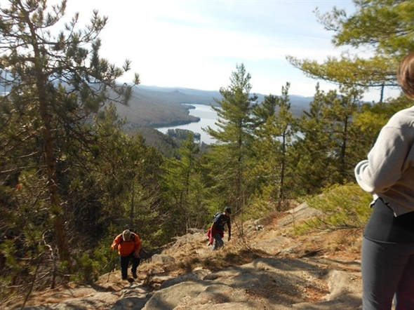 One short hour to the top of Rattlesnake Mountain makes it a great climb with awesome views!
