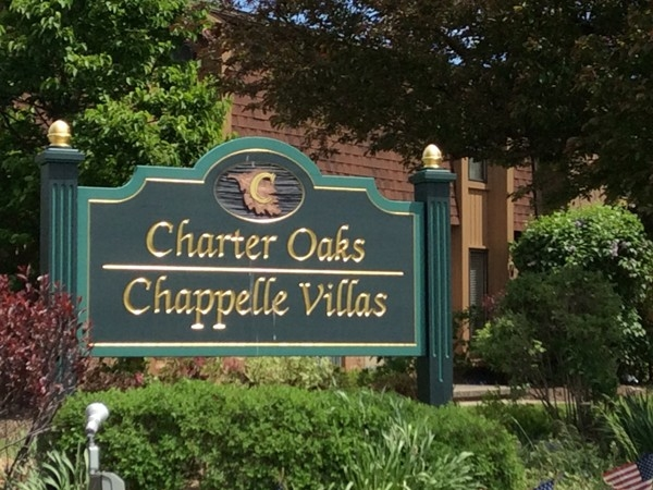 Charter Oaks is conveniently located near the University at Buffalo North Campus