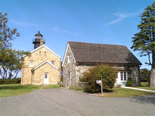 Old Field Lighthouse