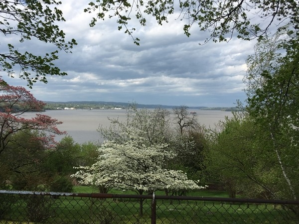 Terrific view of the Hudson from Cliffside Park neighborhood