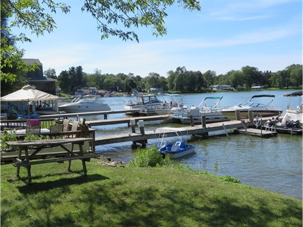 Boating fun on Port Bay in July