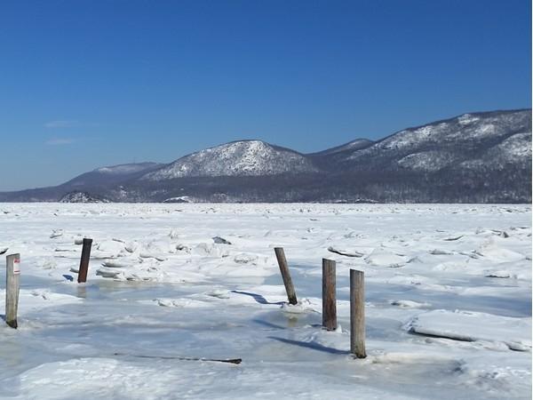 The frozen Hudson River at Donahue Park at Cornwall Landing