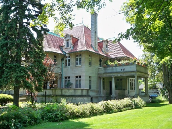 Beautiful mansion at 947 East Avenue was once the Bishop of Rochester's house