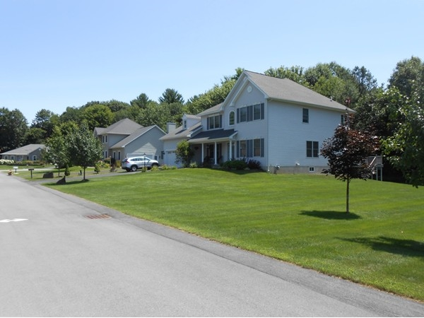 Beauiful cul-de- sac subdivision close to everything Clifton Park has to offer
