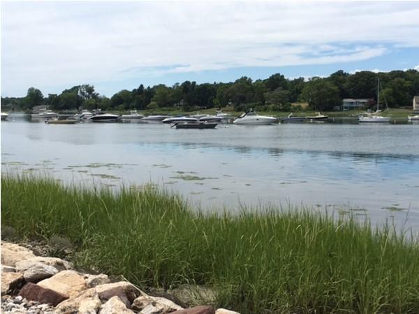 Boats along Van Brunt Manor Beach in Poquott