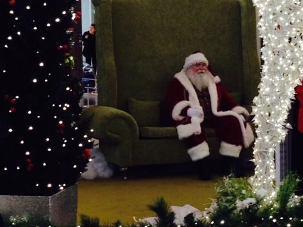 Santa at Walt Whitman Mall