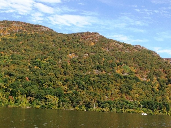 A great day for a hike on Breakneck Mountain