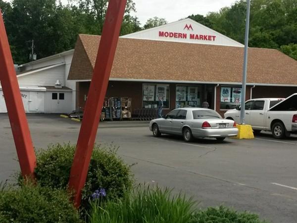 Modern Market Groceries Store
