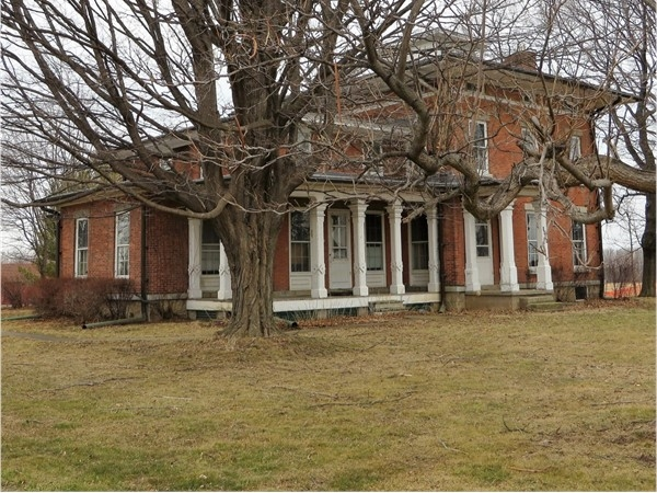 Historic home that is the admin office for Ganondagan in Victor