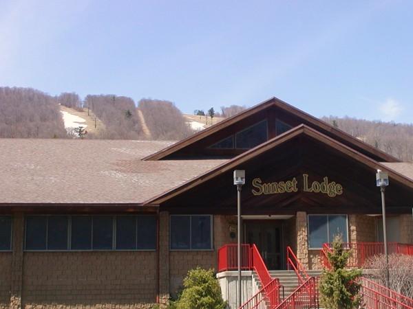 Sunset Lodge at Bristol Mountain
