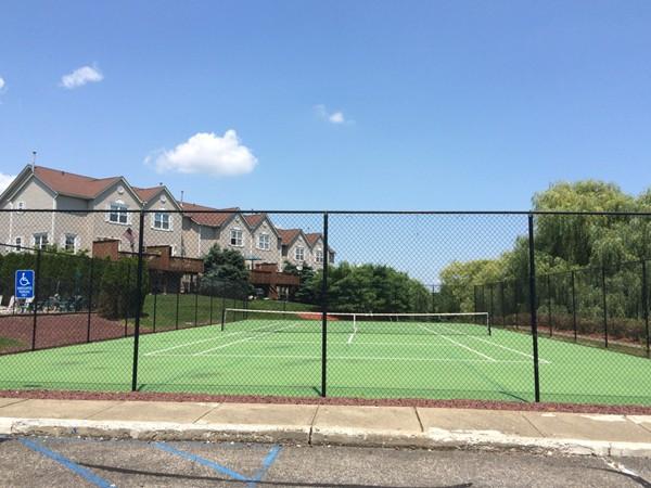 Tennis court at Windsor Crest