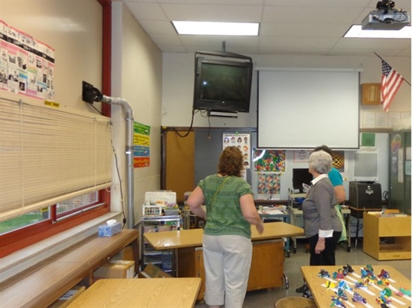 2014 Smallwood Art Show - Parents and Granparents view exhibits