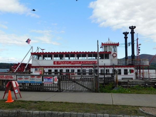 The River Rose is docked now but ready to go on a cruise in an hour on the Newburgh riverfront