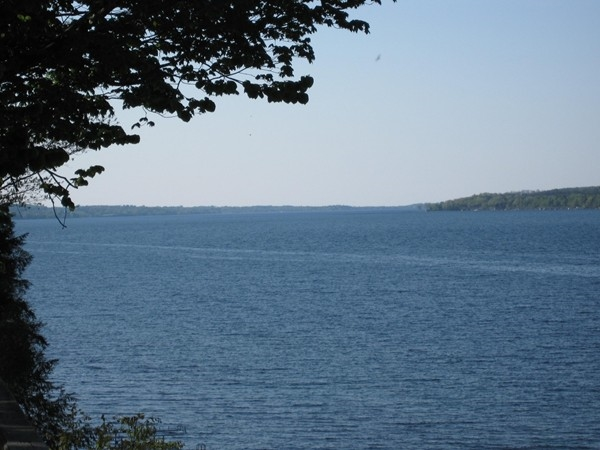 Skaneateles Lake, north towards the village