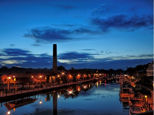 Daybreak along the Erie Canal in Fairport