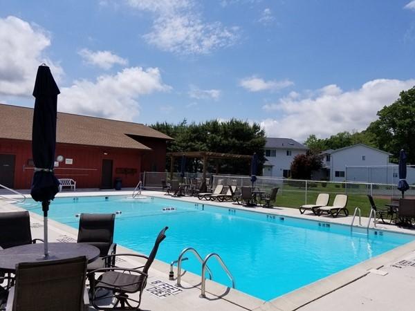 The pool at Plum Point Condominiums