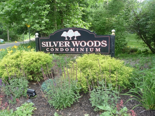 Entrance to Silver Woods off Old Nichols Road