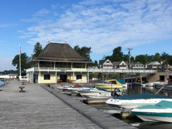 1000 Islands Dock offers several convenient amenities